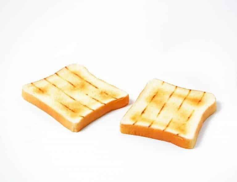 Toastscheiben aus dem Campingtoaster