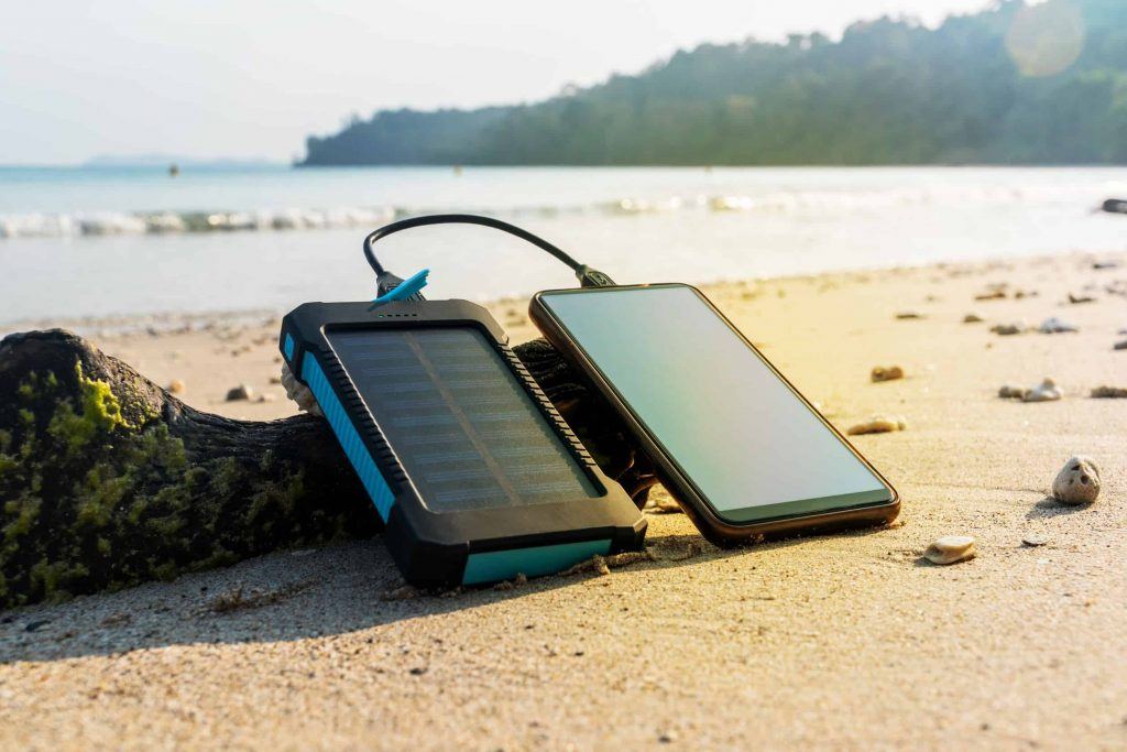 solar powerbank test 2019 die besten solar powerbanks im. Black Bedroom Furniture Sets. Home Design Ideas