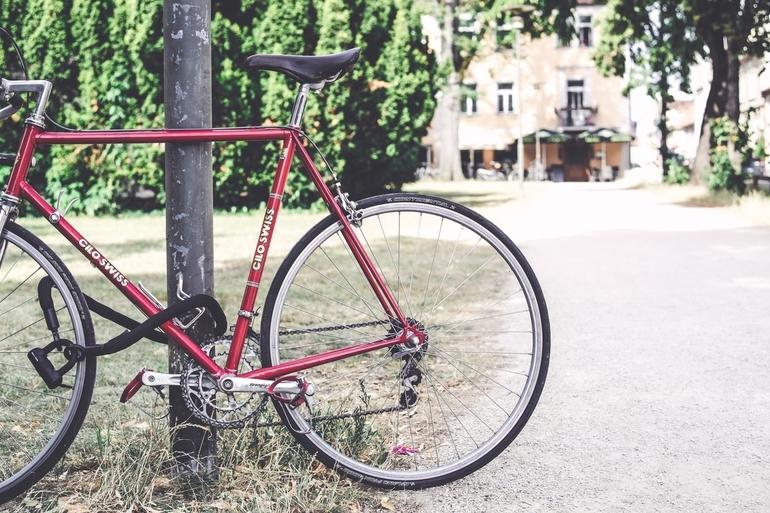 Fahrrad-mit-Schloss